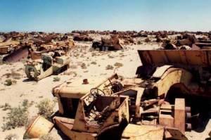 tractor-graveyard